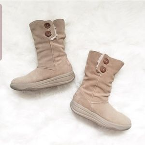 Sketchers Tone Up Women Boots